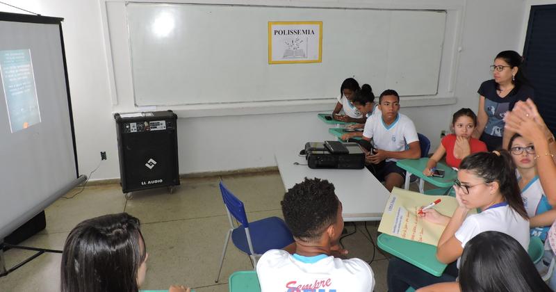 A pesquisa foi desenvolvida durante o ano com alunos e professores do CEM Florêncio Aires
