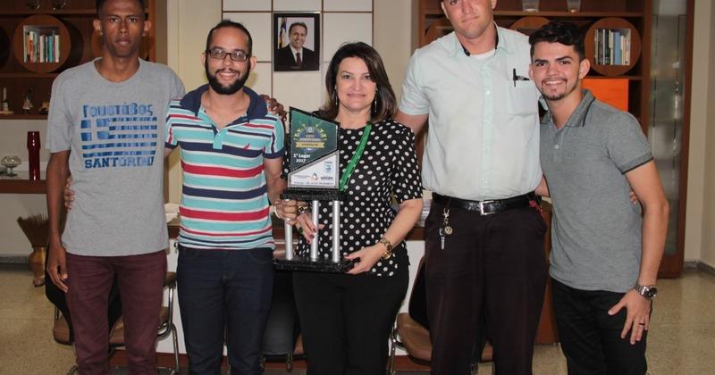 Campeões de bandas e fanfarras encontras com a professora Wanessa Zavarese Sechim