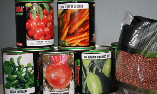 Governo entrega sementes e anuncia ações de fomento para agricultura familiar