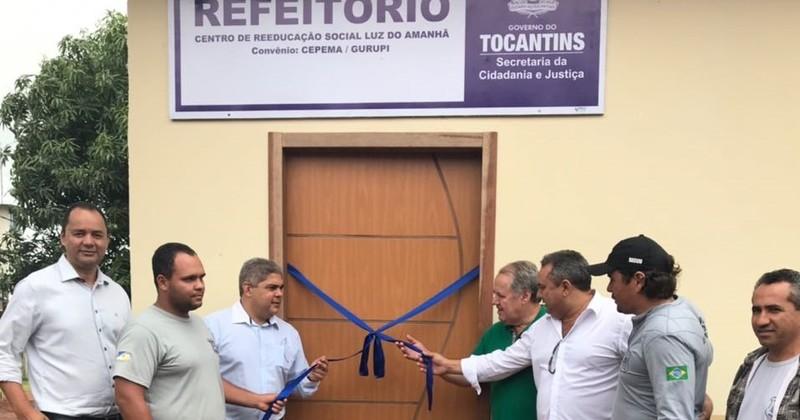 Foto 1 - Secretário Glauber, juiz Ademar e chefe da unidade inauguram novo refeitório. - Divulgação.jpeg