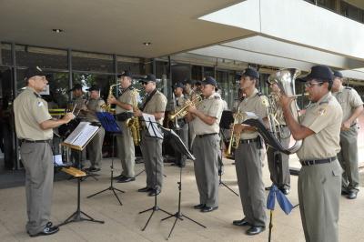 Banda da Polícia Militar encerra com apresentação