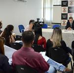 Por aproximadamente uma hora, o delegado adjunto da DRCT, Hudson Guimarães Leite deu detalhes sobre as investigações e falou sobre todo o trabalho realizado pela Polícia Civil, desde a ocorrência do acidente