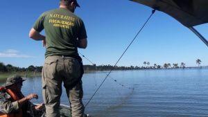 Operação da equipe do  Naturatins da Base da Graciosa no Lago de Palmas