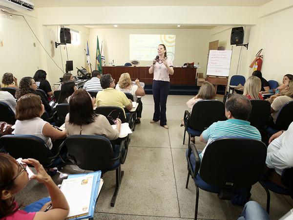 A formação começou nesta quarta-feira com a participação das equipes gestoras das 36 escolas estaduais de tempo integral