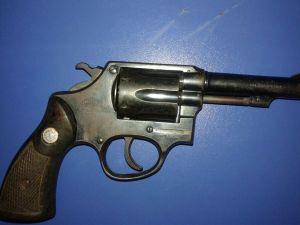 Arma apreendida em Divinópolis.jpeg