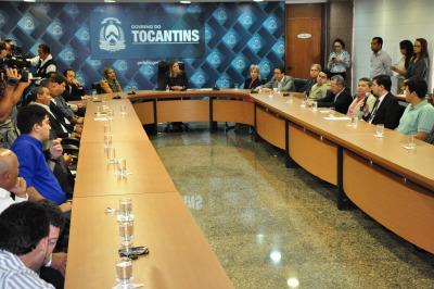 O lançamento do Refis 2018 ocorreu nesta segunda-feira, 15, na Sala de Reuniões do Palácio Araguaia, e contou a presença da governadora em exercício Claudia Lelis, autoridades e empresários.