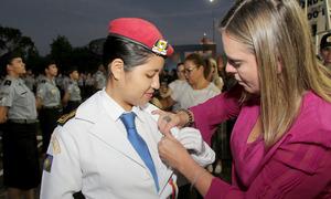 Claudia Lelis destacou que a condecoração pelo desempenho escolar só é possível porque existem educadores comprometidos com o sucesso dos alunos do Colégio Militar