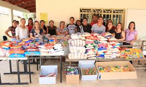 Aproximadamente 1.400 quilos de alimentos não perecíveis foram entregues à Associação Casa de Marta, localizada em Palmas