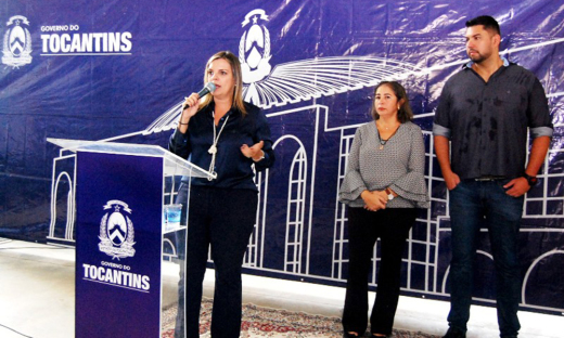 Durante a solenidade, Claudia Lelis destacou os investimentos do Governo na área da saúde
