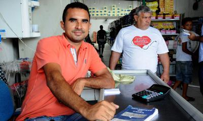 As obras do PDRIS estão impulsionando o negócio do empresário Osvaldo Sousa Filho. Ele é dono de um supermercado no distrito de Esperantina e contou que as empresas voltaram a entregar produtos no seu comércio após a recuperação do asfalto da TO-201