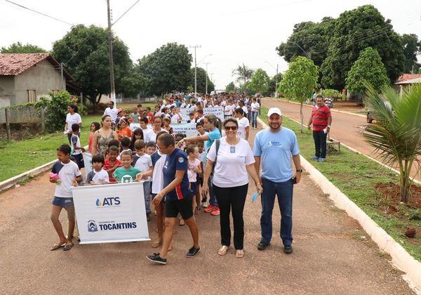 Caminhada ecológica mobiliza comunidade de Piraquê