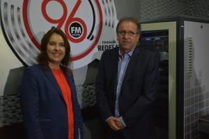 Gizeli Bertollo e Marcelo Miranda no estúdio da 96FM