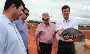 O diretor-presidente do grupo Aquaporto/Aquamérica, Jorge Vieira Barbosa (D), ressaltou que o Tocantins tem forte potencial para a produção de tilápia