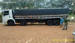 Caminhão estacionado no pátio da sede do Naturatins em Palmas