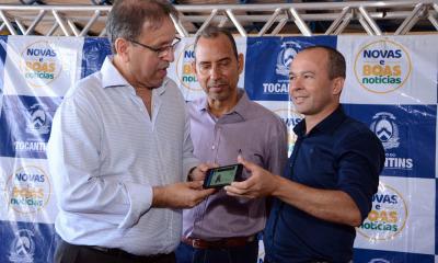 O governador Marcelo Miranda lançou e também recebeu sua Carteira Nacional de Habilitação Digital, a CNH-e