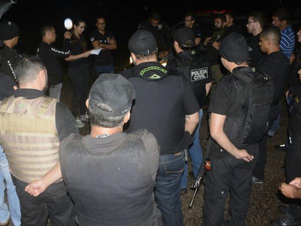Sete mandados de busca e apreensão foram realizados, além de cumpridos cinco mandados de prisão