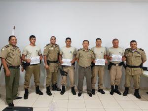 Formandos recebem certificados de conclusão do Curso de Identificação Veicular_300.jpg