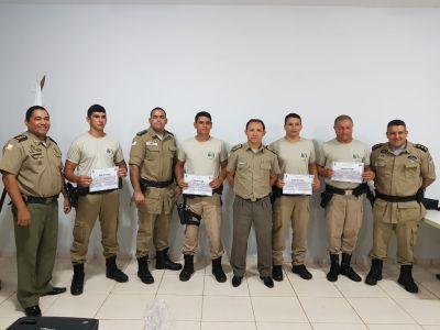 Formandos recebem certificados de conclusão do Curso de Identificação Veicular_400.jpg