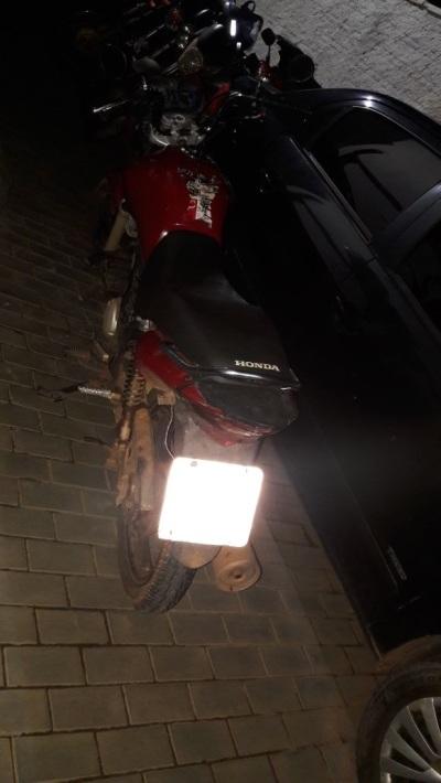 Moto usada para fuga após homicídio é apreendida pela PM em Palmas_400.jpg