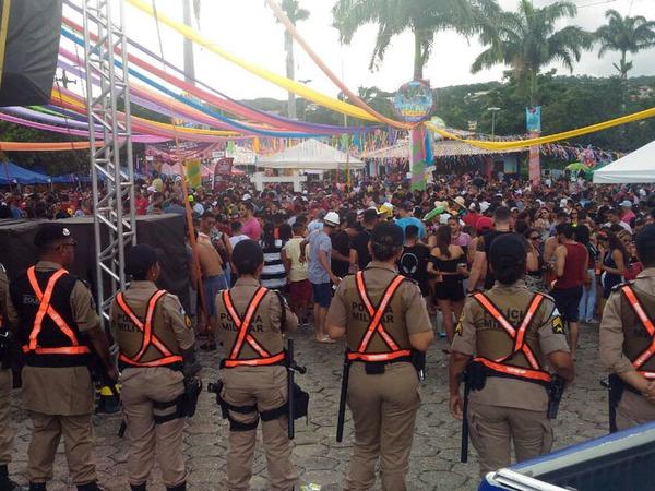 Policiais Militares fazem segurança nos locais de concentração dos foliões