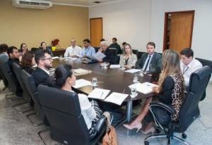 Superintendente do Procon-TO Nellito Cavalcante esteve presente durante a reunião no MPE