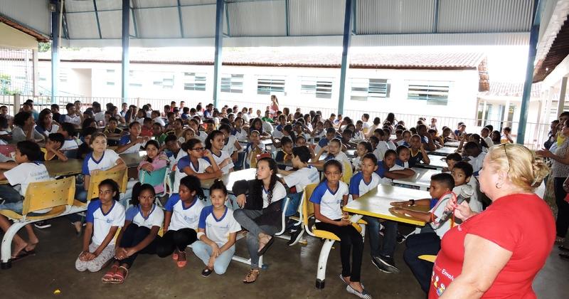 Alunos do Colégio Estadual José Seabra participam do Feirão das Eletivas