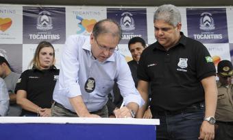 Marcelo Miranda assinou a Ordem de Serviço para a construção de um novo pavilhão na CPP de Palmas e a reforma e ampliação do Centro de Reeducação Social Luz do Amanhã, de Cariri, no sul do Estado