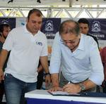 Marcelo Miranda assinou a autorização para compra de 395 cisternas, com investimento de R$ 1,9 milhão