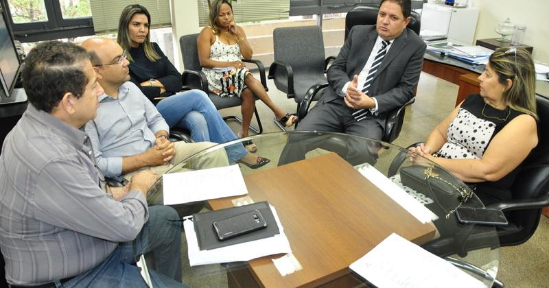 Secretário da Fazenda, Paulo Antenor, recebe representantes do Plansaude