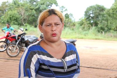 A pescadora profissional Marli Luz garante que o asfalto novo vai trazer de volta os turistas, que sumiram nos últimos anos devido a buraqueira na rodovia