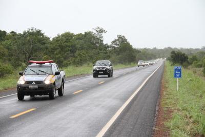Governador e comitiva entregam cinco trechos de rodovias totalmente reconstruídos na região de Araguaína