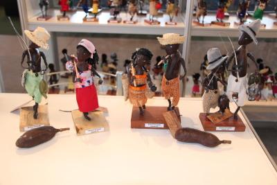 Os artesãos selecionados poderão divulgar e comercializar seus produtos artesanais em um espaço coletivo de 50 m².
