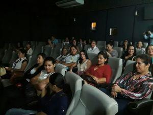 Na manhã desta quinta-feira, 7, as servidoras assistiram no cinema do Sesc, ao filme Lulu nua e crua