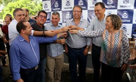 Marcelo Miranda entregou, na manhã desta sexta-feira, 9, 15 novos veículos ao Ruraltins