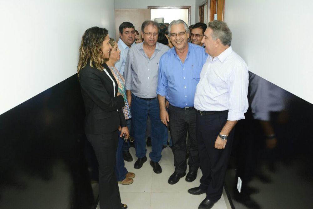 de8b4a1c52 ... Secretário de Segurança mostra dependências de Complexo de Delegacias  de Gurupi a Governador e autoridades ...