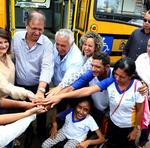 O ônibus entregue beneficiará mais de 100 estudantes da Apae de Aliança