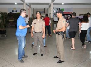 Coronel Edvan visita locais de prova e acompanha andamento do concurso da PM..JPG