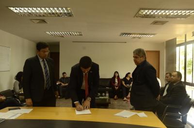 Cle. Glauber empossa nova mesa diretora do Conselho. Foto Tamires Rodrigues - Governo do Tocantins.JPG