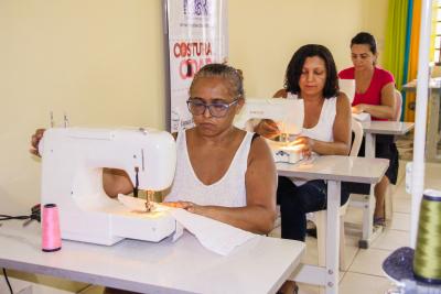 O curso de Corte e Costura está entre as modalidades oferecidas pela Setas.