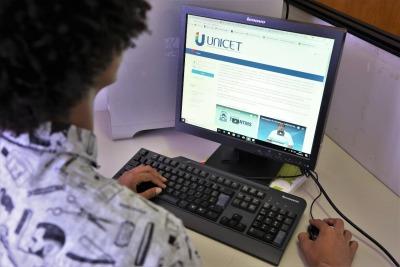 Os cursos serão ofertados na modalidade a distância, através da plataforma da Unicet