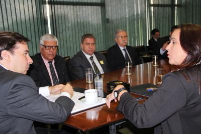Secretária Patrícia durante audiência com Rodrigo Maia