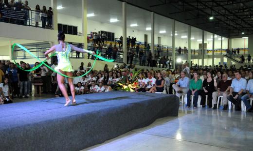 A solenidade foi aberta com apresentações de dançarinos do Balé Popular do Tocantins, que conta com maioria de alunos da rede estadual de ensino