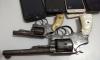 Duas armas de fogo utilizadas no roubo foram apreendidas pelos investigadores