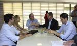 O governador Mauro Carlesse ressaltou a importância da parceria entre o Estado e o Banco da Amazônia, em um momento em que o governo busca alavancar o desenvolvimento em todas as regiões do Tocantins