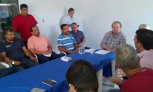 Em Gurupi, o governador Mauro Carlesse se reuniu com a diretoria da Câmara de Diretores Lojistas e empresários gurupienses, quando ouviu reivindicações da classe, em especial na área tributária