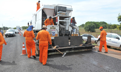 As obras, que terão mais de R$ 55 milhões para a recuperação de rodovias pavimentadas, serão iniciadas o mais rápido possível