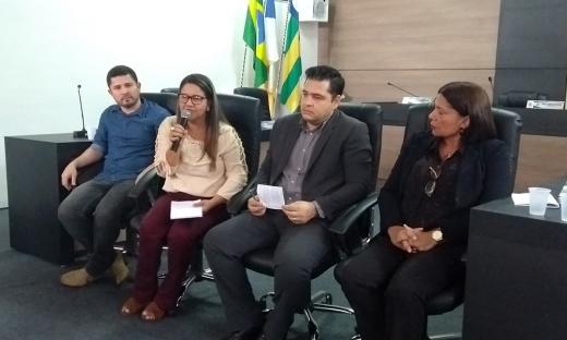 Uma Audiência Pública foi realizada na Câmara Municipal de Dianópolis na tarde dessa quinta-feira, 12, com a participação da Unitins, do Conselho Estadual de Educação e os alunos remanescentes da Fades