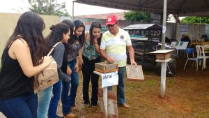 Odilio Menezes, gerente de apicultura do Ruraltins, ministrou o curso de abelhas sem ferrão