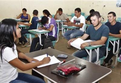 Exame é destinado a jovens e adultos que não concluíram o ensino fundamental ou médio na idade adequada