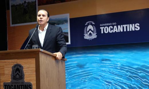 """O senador Ataídes de Oliveira prestigiou o evento e avaliou a situação que colocou o Estado como lamentável. """"Eu torço para que o governador Marcelo Miranda conclua o seu mandato"""